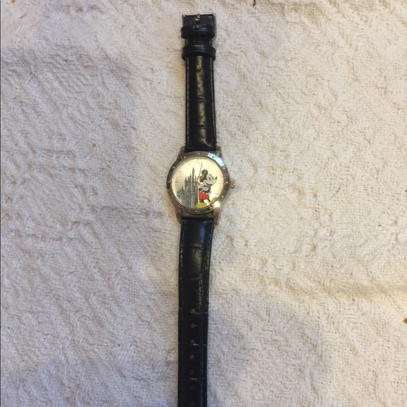 Disney Accessories - Limited edition Mickey Mouse watch with castle